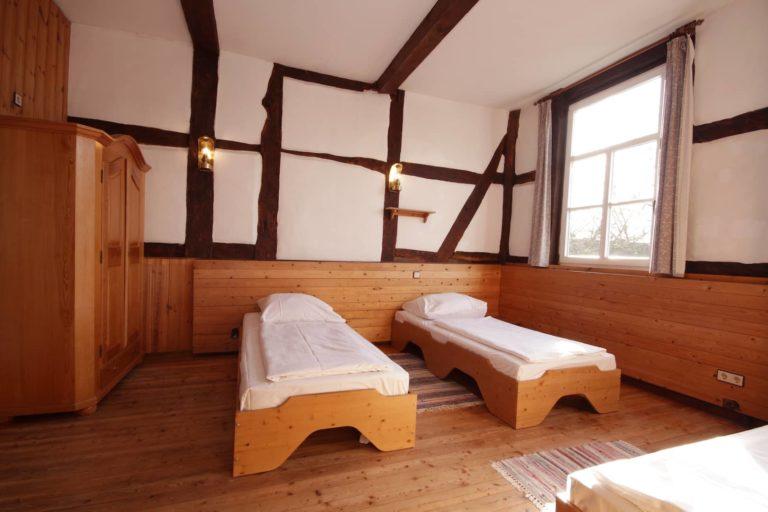 Schlafraum für 3 Personen mit Einzelbetten, Apartment 38 - Teil der Fewo Fuchs