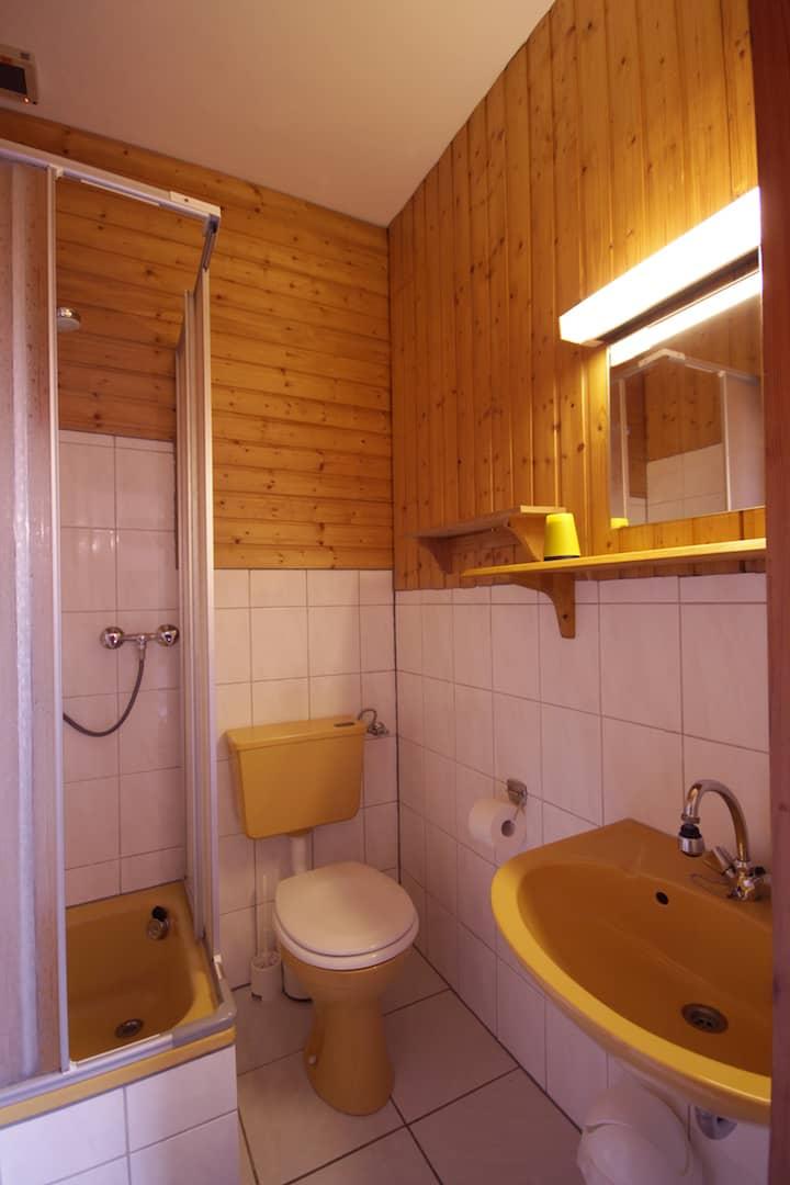 Dusche und WC Apartment 34