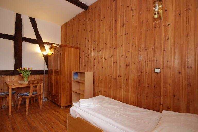 Einzelbettzimmer mit Pantryküche, Apartment 15 - Teil der FeWo Flieder